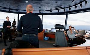 Bilden tagen när riksdagsledamoten Kalle Olsson (S) besökte flygledarna på Frösön.