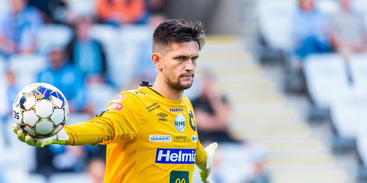 """Degerfors målvakt utbuad av Malmö-publiken efter straffsituationen: """"Det får man bara blockera ut"""""""