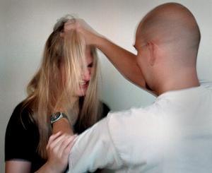 Våld mot kvinnor måste alltid uppmärksammas, skriver  Margareta Winberg. Foto: Claudio Bresciani