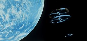 Den jättelika rymdstationen i