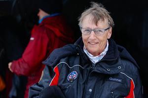 Gunnel Fredriksson är en av de bybor i Stora Blåsjön som är mest engagerade i de årliga dykningarna