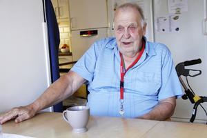 Göran Broström har bott på Gullvivan i åtta år, och stormtrivs.