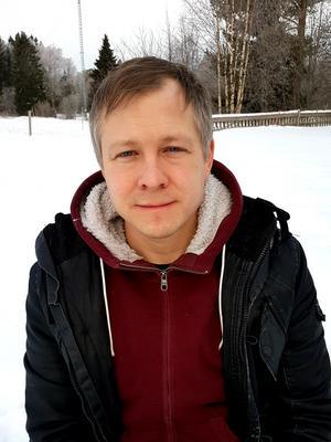 Lars Samuelsson, docent i filosofi, kommer i sin avhandling fram till att det finns goda argument till att naturen har ett värde i sig. Han har också bidragit med sina perspektiv i SLU:s projekt Future forests.Foto: Privat