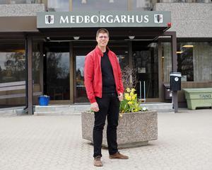 Socialdemokraten Lars-Gunnar Nordlander, ordförande i socialutskottet i kommunen, säger nej till kortare arbetstid för anställda inom individ- och familjeomsorgen.