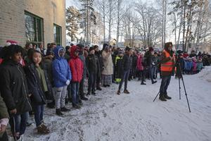 En stor del av skolans 301 elever fanns på plats under invigningsceremonin liksom medierepresentanter från DT/DD, Annonsbladet och dalaradion.