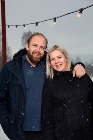 För Magnus och Linn Ollas är hantverket viktigt när det gäller julmat.