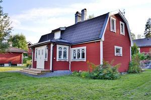 Huset på Vimmelmoravägen i Falun har anor från 1909. Foto: Fastighetsbyrån Falun