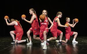2000-talet illustrerades med basket.