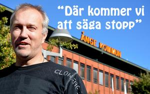 Leif Edh (VFÅ) är inte beredd att gå med på ett avtal där kommunen både betalar uppdragsersättning och hyra för de tillfällen man nyttjar Medborgarhuset.