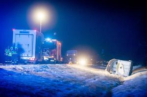 Räddningstjänsten från Lit ryckte ut till olyckan på E 45 där en hästtransport var inblandad.