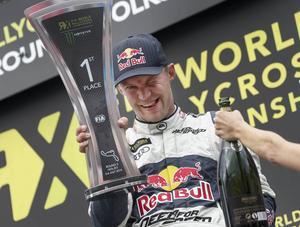 Mattias Ekström vid segern i Höljes 2014. Nu siktar han på VM-titel med sitt egna rallycrossteam, EKS.