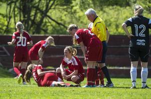 Sophie Brundin inledde och avslutade målskyttet. Sedan klev hon av skadad.