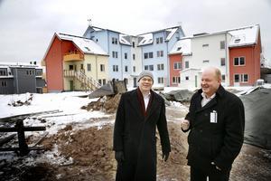 Tagehus vd Johan Ljungberg tillsammans med Credentias nye vd Ronny Jansson.