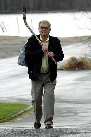 Idén till att spela bandy på natten fick Björn Swartswe när han såg en reklamskylt för nattorientering. Foto: Arkiv