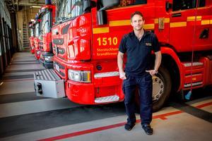 """I den här brandbilen satt Rikard Almlöf som rökdykare när de anlände till Drottninggatan.""""Vi förstod att det varr en terrorhandling och ingen vanlig trafikolycka"""", berättar Rikard."""
