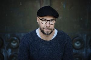 Sven Olov Karlsson är aktuell med nya novellsamlingen