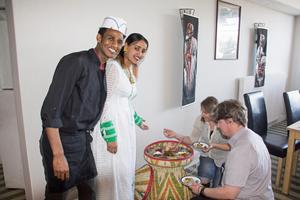 Nyfikna Avestabor har redan börjat upptäcka den eritreanska matkulturen.