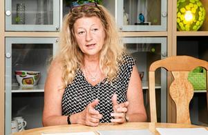 Jani Stjernström, ordförande för vårdförbundets avdelning i Västmanland, menar att de höga kostnaderna för hyrsjuksköterskorna främst beror på att arbetsgivaren inte har lyckats rekrytera fast personal.Foto: Rune Jensen