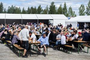 Arrangörerna uppskattade att drygt 2 000 personer skulle besöka festivalens två dagar.