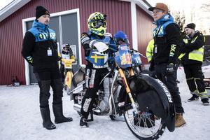 Martin Haarahiltunen förbereder sig inför ett heat.