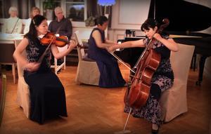 I går spelade Fujita Piano Trio i Härnösand. På fredag kommer de till Multrå kyrka utanför Sollefteå.