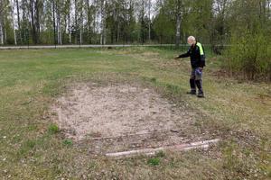 Inte mycket återstår av den gamla längdhoppsgropen.  Men det ska det snart bli ändring på, enligt Kenneth Söderström.