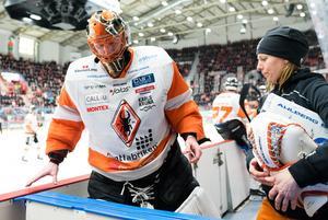 Johan Holmqvist klev av sjätte matchen med en skada. Foto: Pär Olert (Bildbyrån)