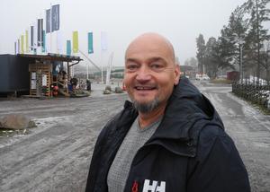 Enligt Nicklas Camarstrand, projektledare för simhallsbygget, har modellen med ett så kallat driftnetto varit en framgångsfaktor.
