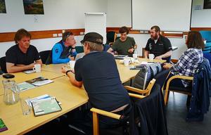 Efter att gruppen från Järvsö anlänt, vid lunchtid på fredagen, ägnades eftermiddagen åt möten.