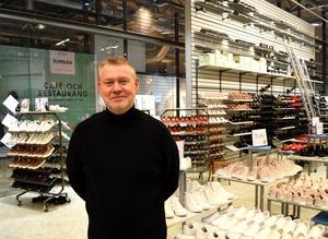Thomas Johansson menar att den nya butiken underlättar för kunderna.