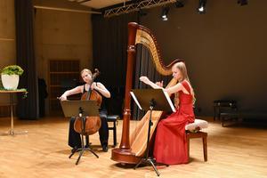 Kristina Winiarski och Aisté Baliunyté – två av musikerna som möts under Kammarmusikfestivalen i Sandviken.