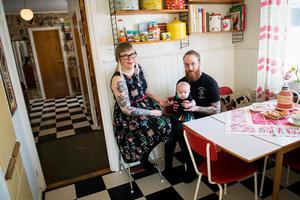 Hemma hosJohanna Malmquist och Daniel Olsson är det 50-tal som gäller. Huset som är byggt 1957 är inrett med skandinavisk 50-tal – rakt igenom.