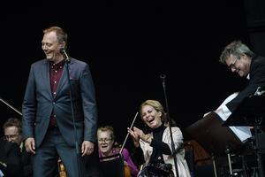 Magnus Carlson och Helen Sjöholm på Skule Naturscen i en unik spelning.