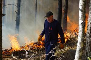 Det var flera som hjälpte till vid branden i Hörken.