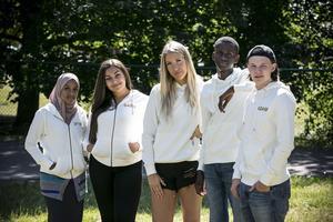 Iftin Ahmed, Sara Saber, Frida Hedlöf, Omar Omar och Adam Lokasaari arrangerar minifestivalen BLG Summer.