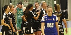 Örebro FC firar ännu en titel – Ladies night cup. Laget vann DM för två veckor sedan, och om ytterligare två veckor startar SM-slutspelet – som ännu inte lottats – med första kvartsfinalen.