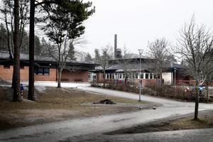 Bålbroskolan i Rimbo innan den revs.