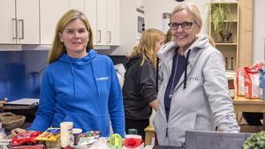 Fritidsledare Katarina Hobro och teamledare Carina Sörhammar tror att många tjejer hittat till Unkan för att de erbjuder dansträning som är väldigt populär.