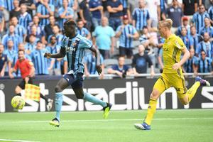 Eric Björkander lyckades inte stoppa Djurgårdens Aliou Badji från att skjuta 1–0. Foto: Maja Suslin, TT.
