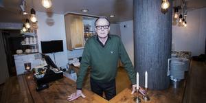 – Vi kan jämföras med en bensinmack som inte skulle klara sig på att enbart sälja bensin. Vi serverar frukost och lunch och ibland även middag, säger Sören Ahlström som jobbar i Gefle Teaterrestaurang.