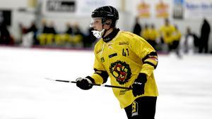 ÖSK:s lagkapten Sebastian Eriksson fick lämna Behrn arena för sista gången den här säsongen med en förlust. Nu gäller det att bryta bortaförbannelsen.