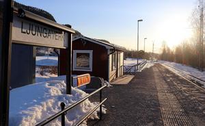 Värmestugan vid hållplatsen i Ljungaverk har någon gång under påskhelgen utsatts för en mindre hälsosam behandling.