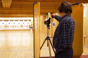 I varje skytteomgång är det sju serier, med fem skott i varje. I precisionskytte har deltagarna fem minuter på sig att avlossa de fem skotten.