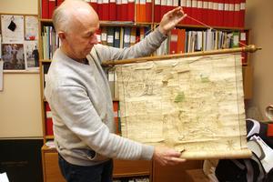 """En gammal vy över Starfors. """"Den här är från 1716"""", säger Kenth Hansson."""