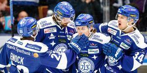 Leksandsjubel efter Mattias Karlssons 2–0-mål mot Västervik. Foto: Daniel Eriksson/Bildbyrån.