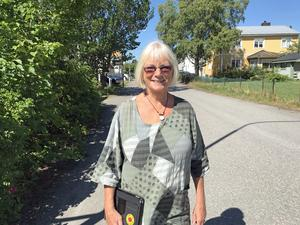Forna språkröret Eva Goës  (MP) har varit lite av mentor för Amanda Lind i Härnösand.