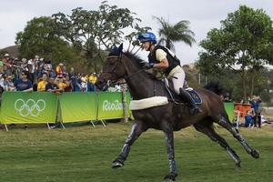 Frida Andersén, Hofors, och hästen Herta ligger tolva i totalen inför avgörande hoppningen i OS-fälttävlan.