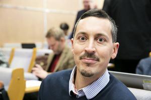 Björn Ljungqvist (M) är ordförande för barn- och utbildningsnämnden. Budgeten rör cirka 1900 anställda i förskolor och förskolor.