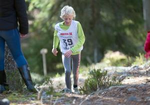 Nioåriga Kerstin Lövgren, Falu IK skidklubb, var en av de yngsta som kämpade sig upp till toppen.