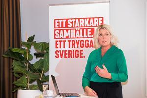 Partisekreteraren Lena Rådström Baastad (S) presenterar regeringens budget för 2020.